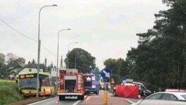 Kierowca uderzył w autobus, zmarł