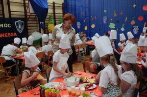 Uczniowie dostaną za darmo drugie śniadanie