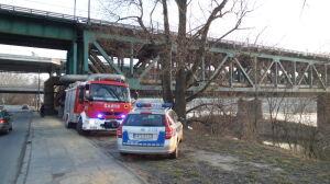 Ogień pod mostem Gdańskim. Zatrzymano 55-latka