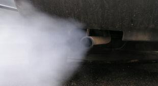 Spaliny samochodowe są sporym utrapieniem w polskich miastach