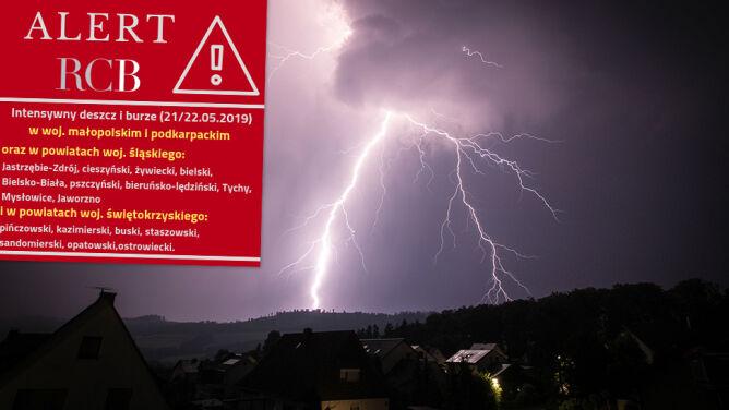 Ostrzeżenia najwyższego stopnia. Alert RCB: możliwe podtopienia i przerwy w dostawie prądu